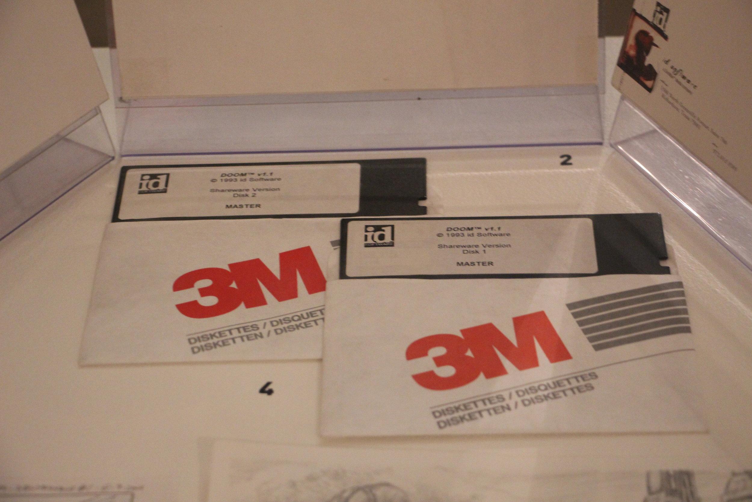 I master disk originali di DOOM, courtesy by Vigamus!.jpg