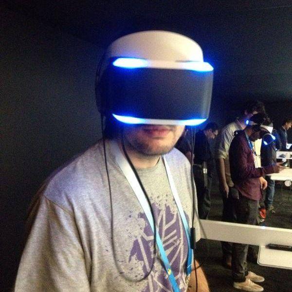 Questo sono io mentre provo PSVR per la prima volta alla GDC 2014.