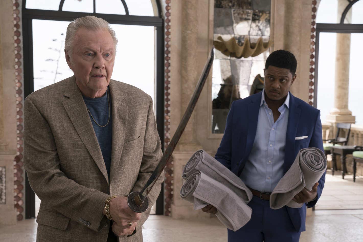 Che lo si ami o lo si odi, Mickey Donovan, interpretato dal sempreverde Jon Voight, è fra i personaggi più riusciti dell'intera serie.