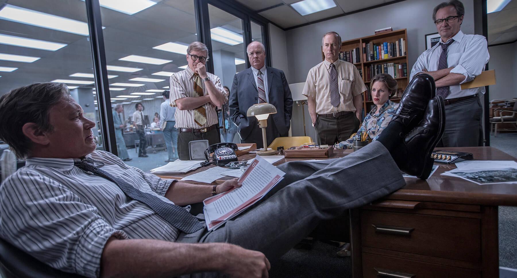 """Il cast """"di contorno"""", con in testa Bob Odenkirk, è senz'altro all'altezza dei protagonisti."""