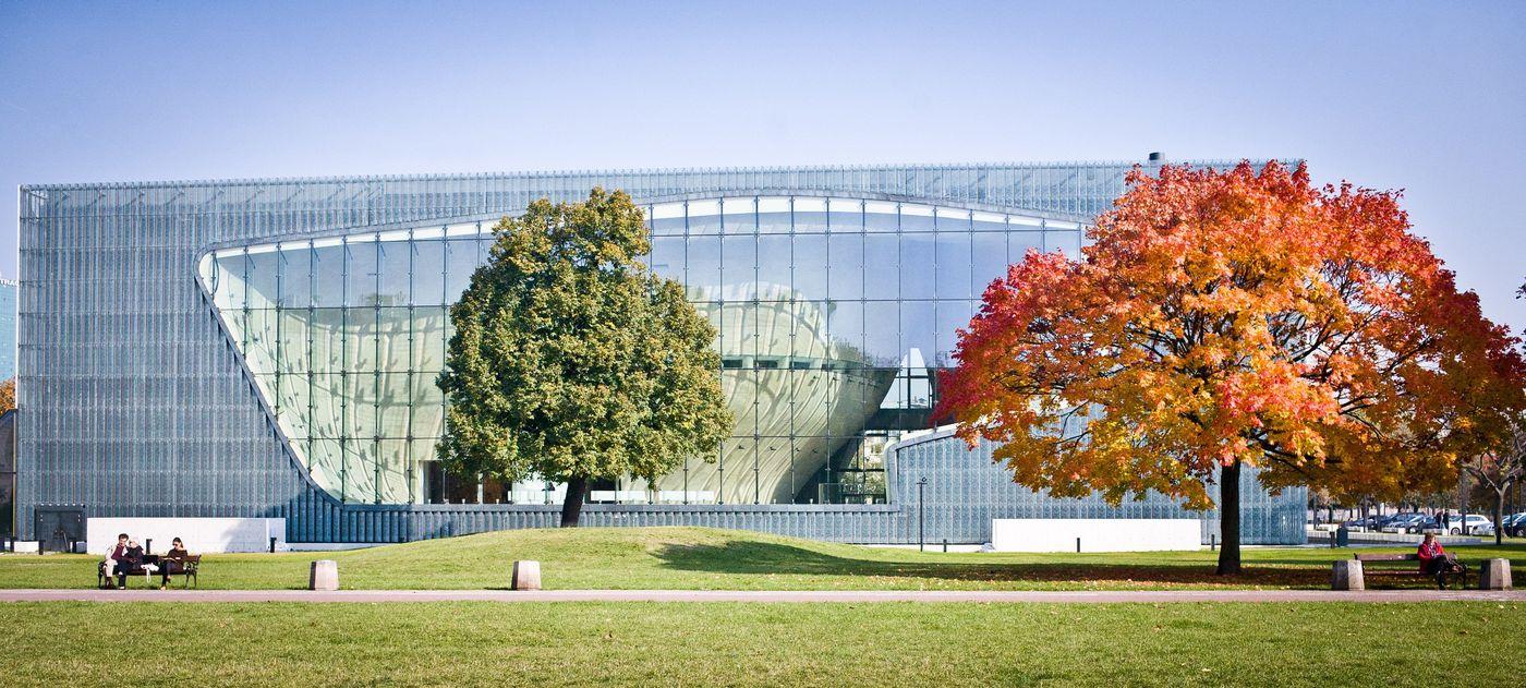 Il POLIN - Museo della storia degli ebrei polacchi (POLIN Muzeum Historii Żydów Polskich), a Varsavia.