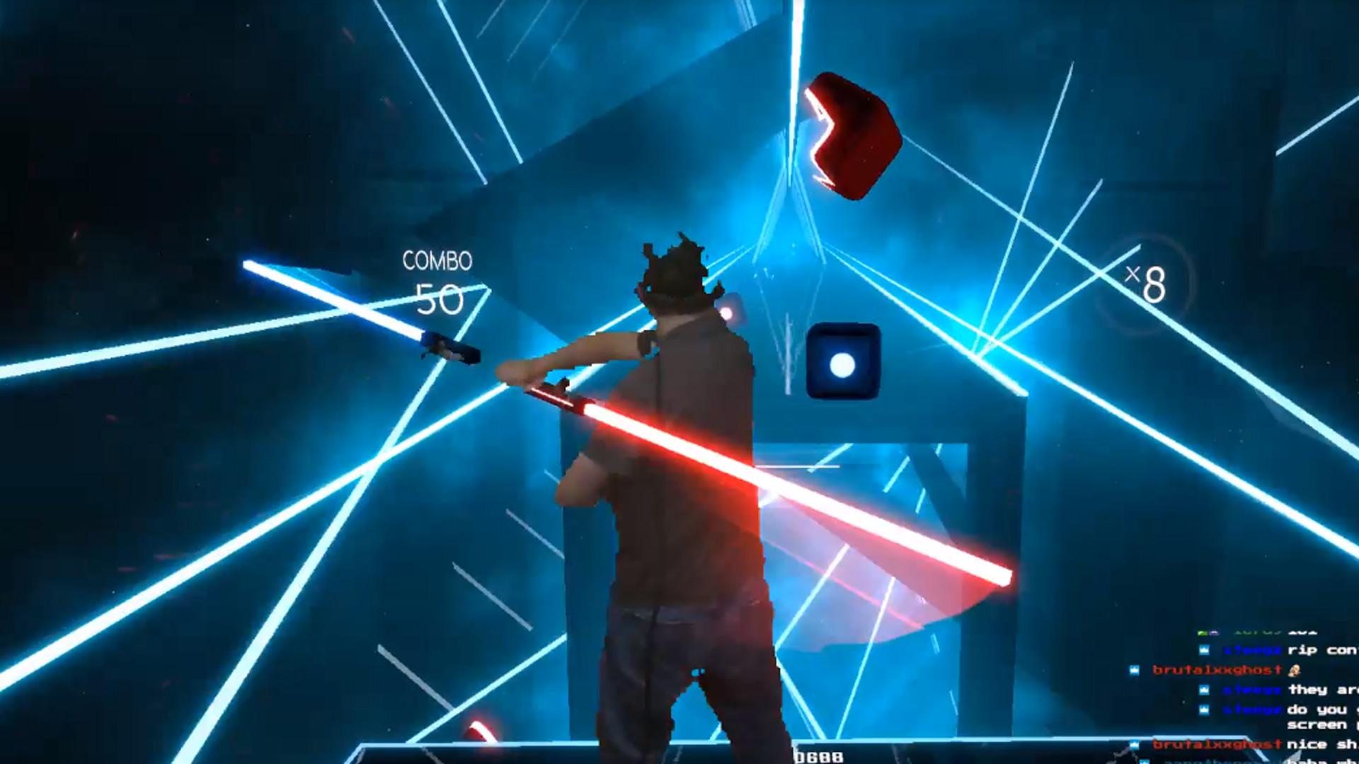Ovviamente non mancano i pazzi che hanno già legato i due controller a formare la doppia spada laser di Darth Maul.