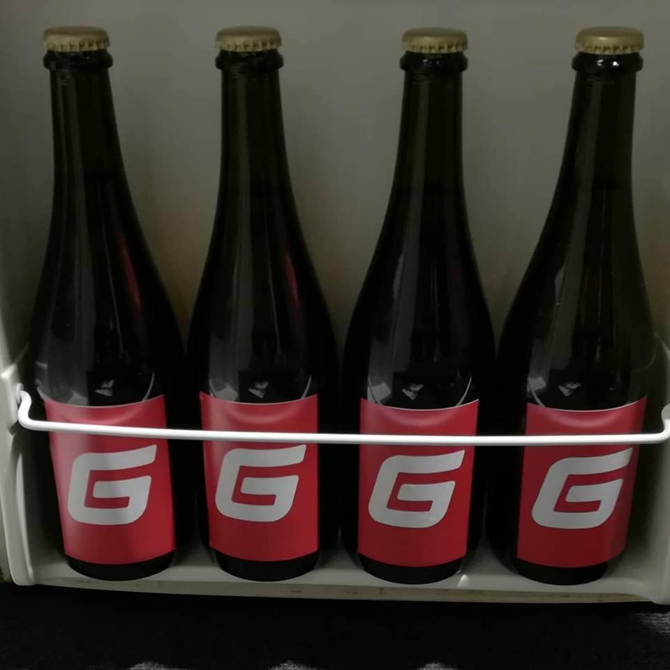Quattro bottiglie piene di passione.