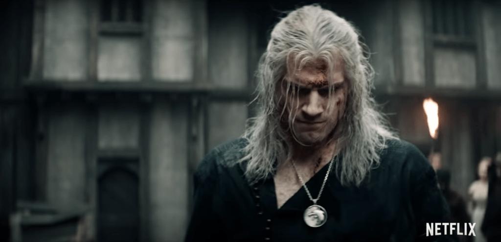 Un Geralt ferito e visibilmente cupo, probabilmente dopo lo scontro con Renfri (Emma Appleton).