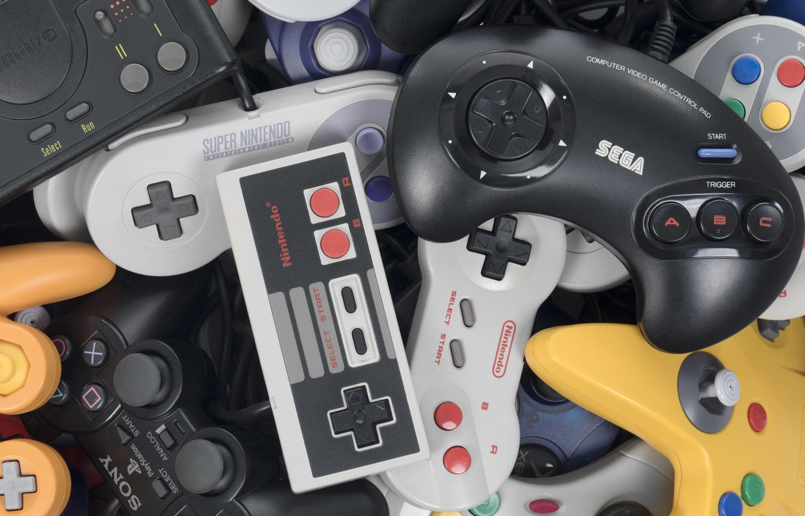 """Questa l'ho trovata cercando """"console wars"""" su Google. Per il me di allora, questa foto significa solo """"minchia se sei ricco""""."""
