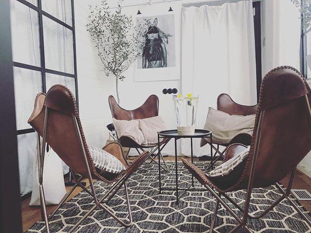 """Nöjd med vår senaste inredning med ny matta i lounge/""""arbets"""" hörnan 👍 #hållbaramöten #vårkänslor"""