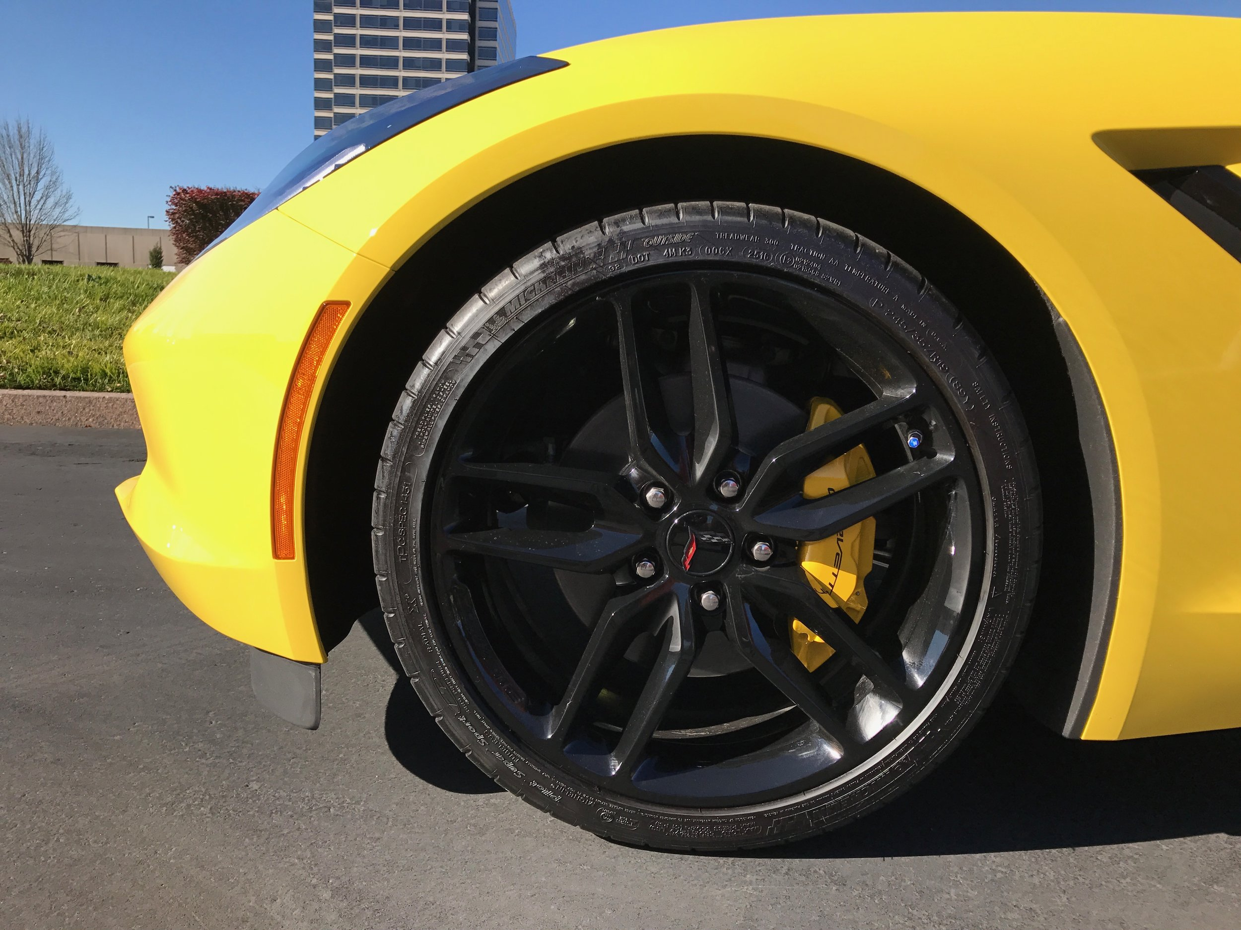 The brakes, wheels, and rubber are not lacking for grip or stopping prowess.  (Image:  KanonOnCars.com)
