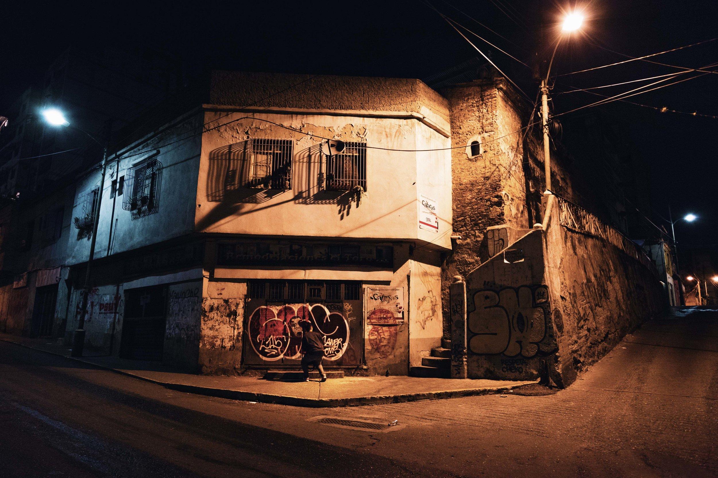 Loureiro_Caracas by Night_39.jpg
