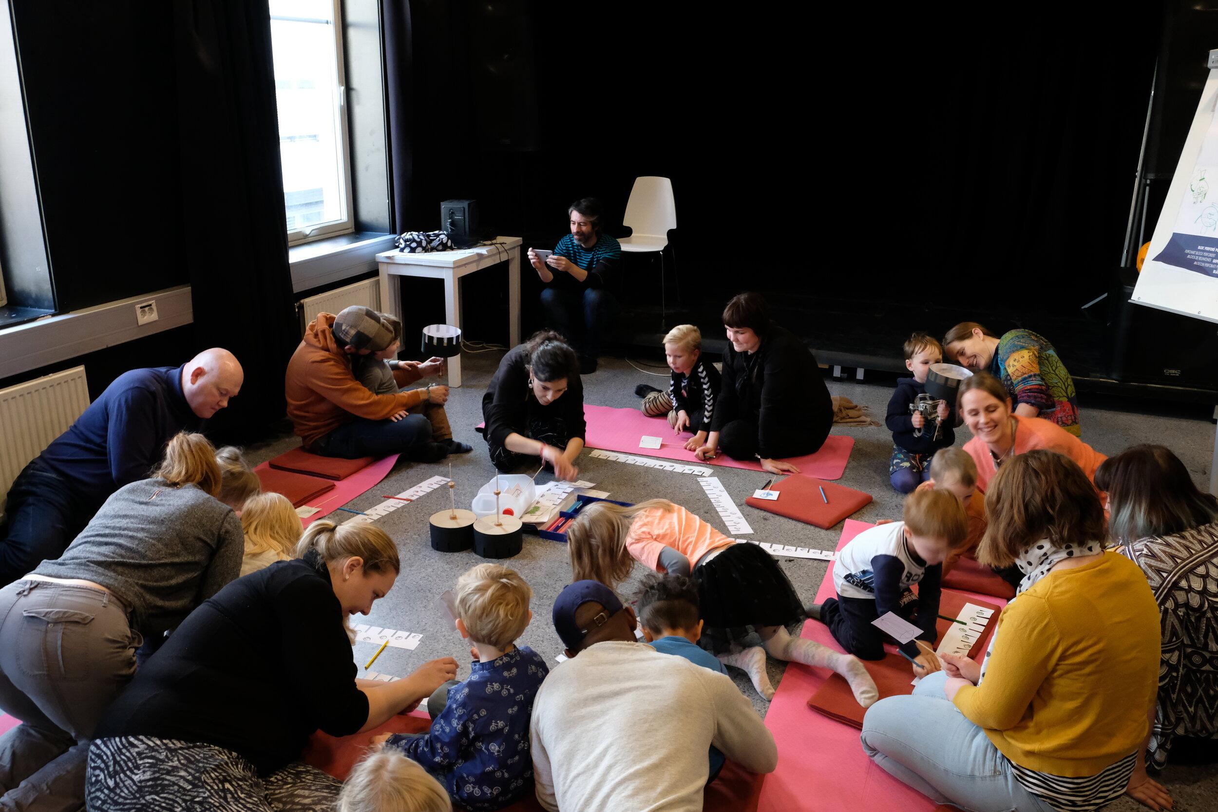 kunstverksted for barn 2 Foto Gunnar Holmstad.JPG