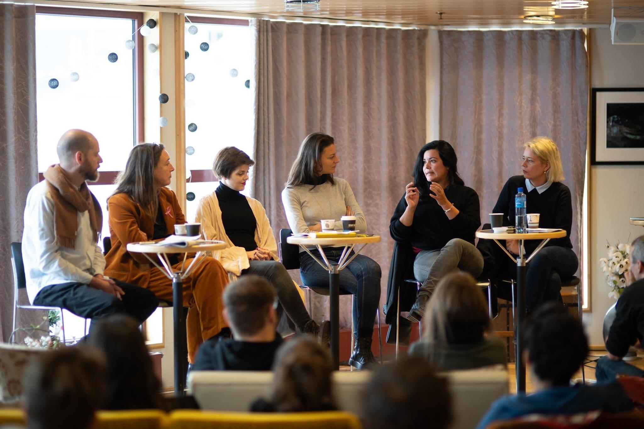 Fra paneldiskusjonen på AMIFF 2018. Fra venstre Mike Sperlinger, Sabrina van der Ley, Ingeborg LIndahl, Vanina Saracino, Daniela Arriado, Helga Marie Nordby