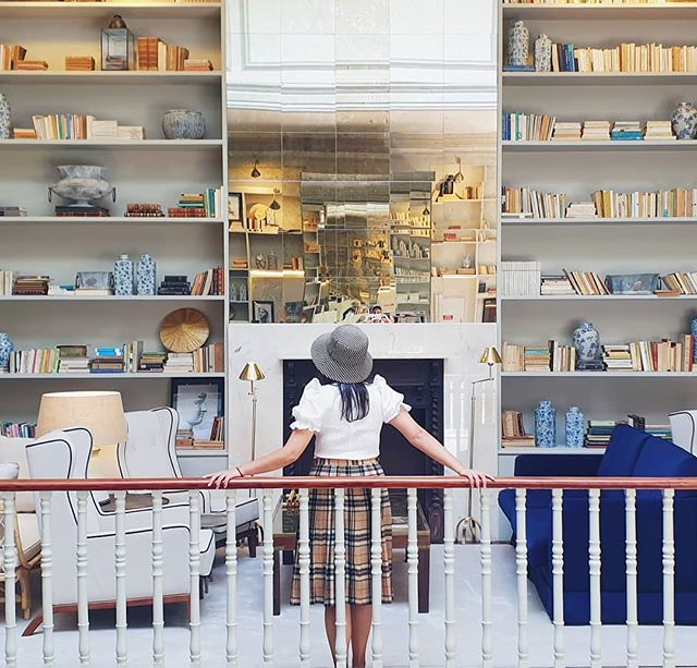 Spot the Instagram boyfriend 👀 . . #chillstravels