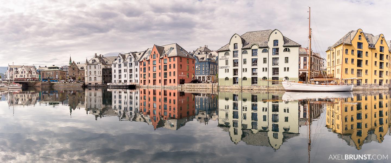 Alesund-coastal-town-norway-1.jpg