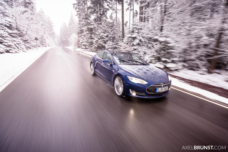 tesla-motors-winter-snow-3.jpg