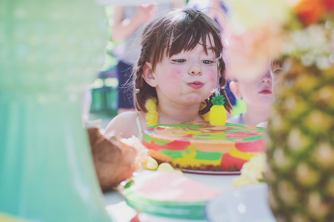 Péa les maisons. A tiki theme birthday party for a big girl turning four