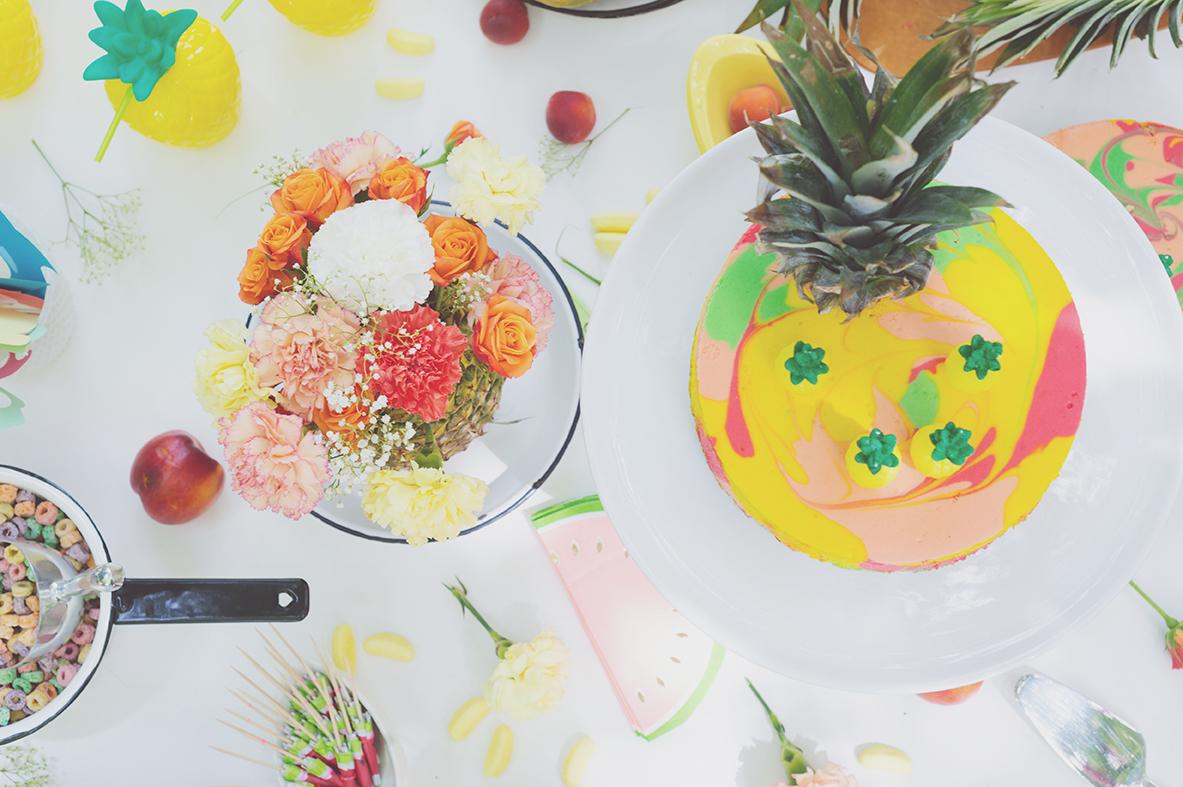 Péa les maisons. Une table à desserts pleine de surprises colorées