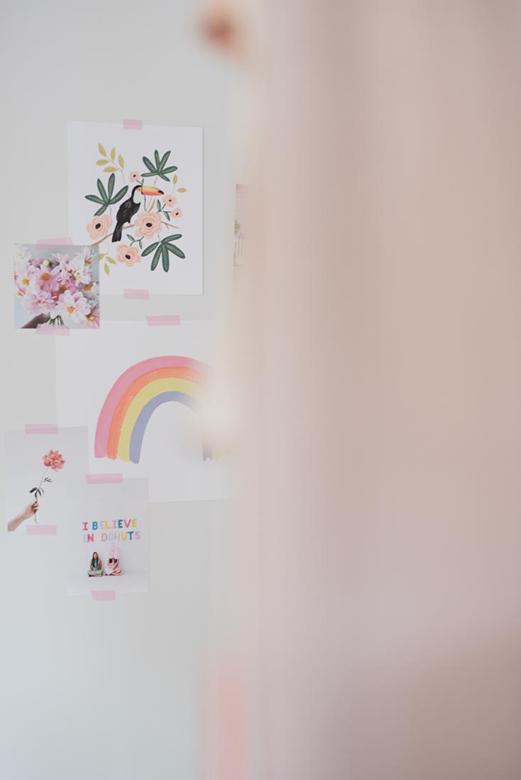 Péa les maisons. Créer un moodboard avec de jolies affiches pour un décor évolutif dans une chambre d'enfant