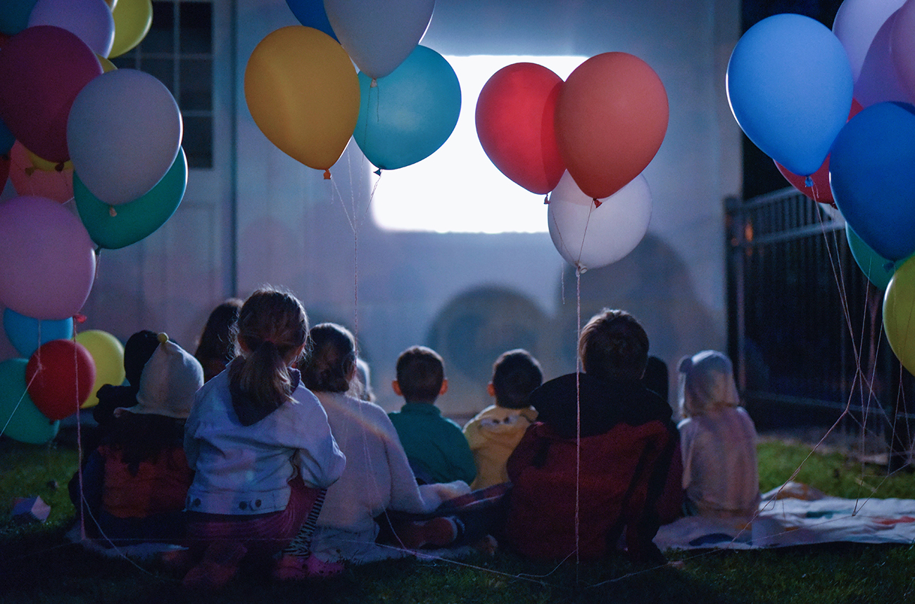 Péa les maisons. Stylism and outdoor kid's party organization with film screening