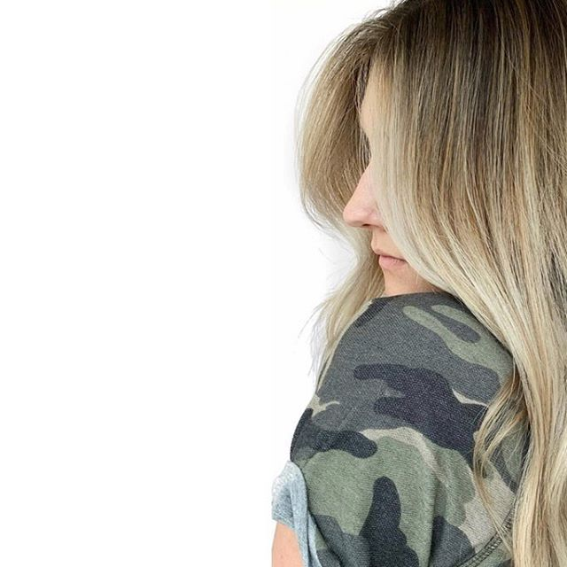 "So ""b a l a y a g e"" is obviously the most popular color trend out right now, but who is it really for ? 🤔 . . - someone looking for a lower maintenance color that only needs to be glazed/toned every 4-6 weeks - lightening sessions can be stretched out anywhere from 12-16 weeks depending on individual goals - the grow is soft, without any harsh lines - expect some warmth in between for a natural look . . Want to learn more? Book a f r e e consultation with our colorists 📲"