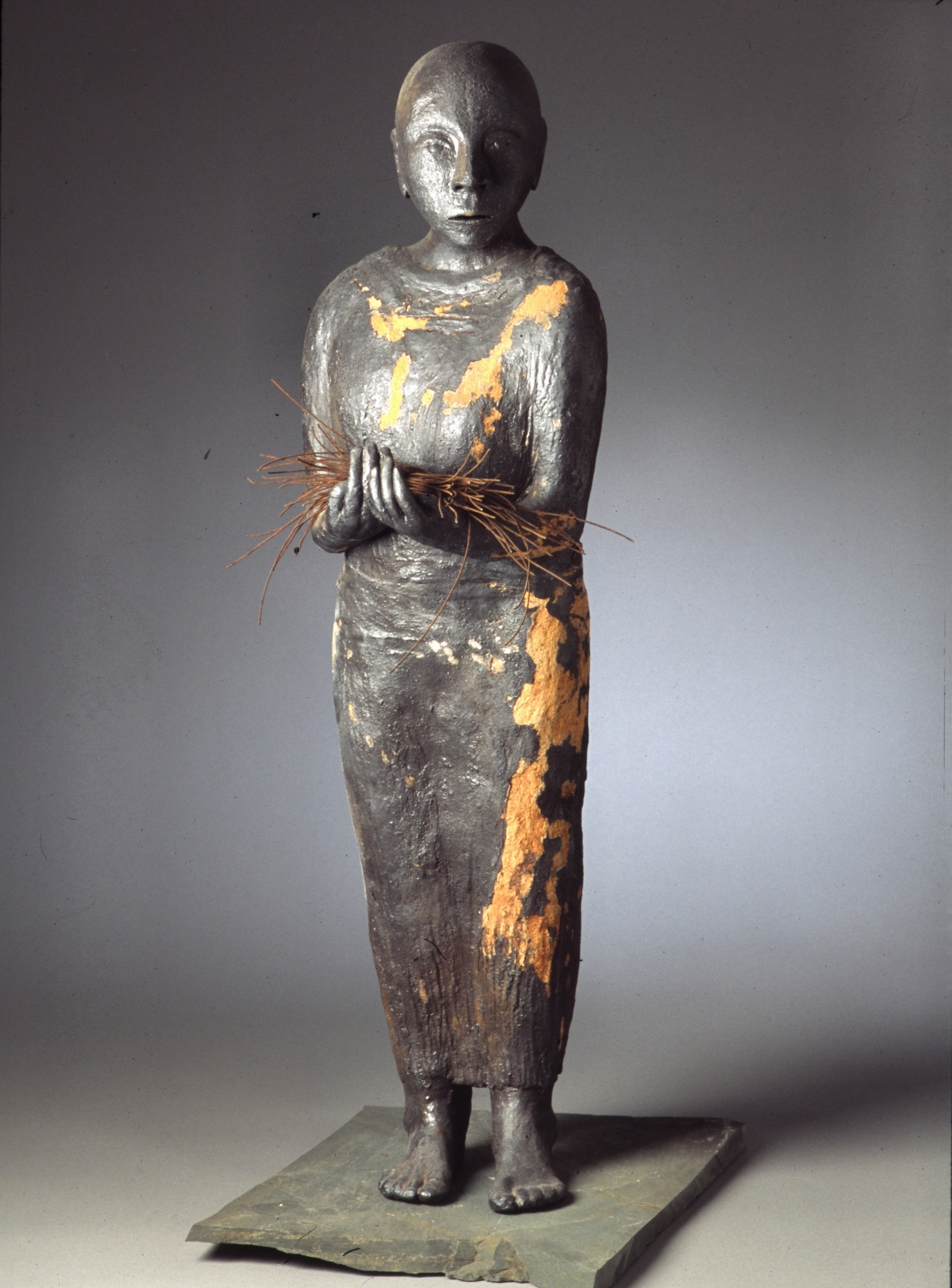 votive woman with iron- wood fired clay- 40x14x10_3.jpg