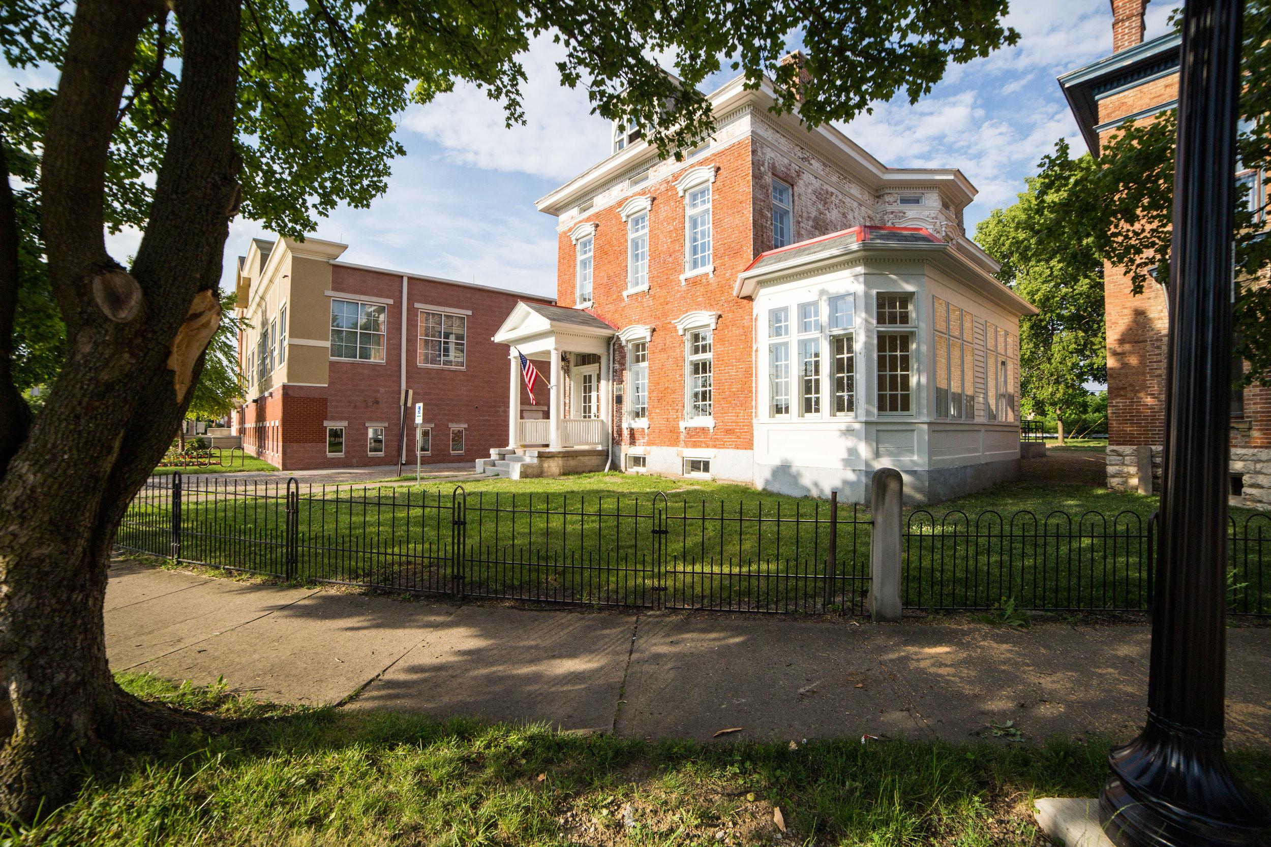 100 Jefferson Avenue