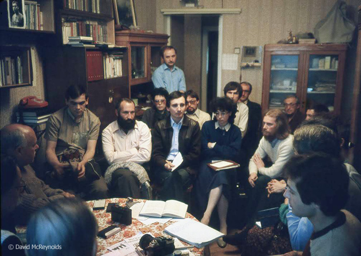 SU1987-meeting-with-dissidents_web.jpg
