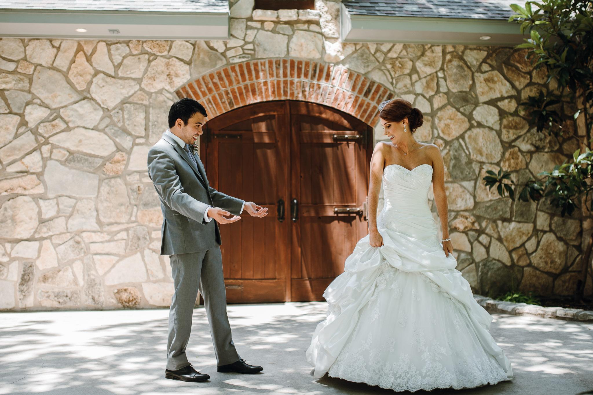 Chapel-In-The-Vineyard-Christoval-Vineyards-and-Winery-Wedding_Kayla&Eric-0019.jpg