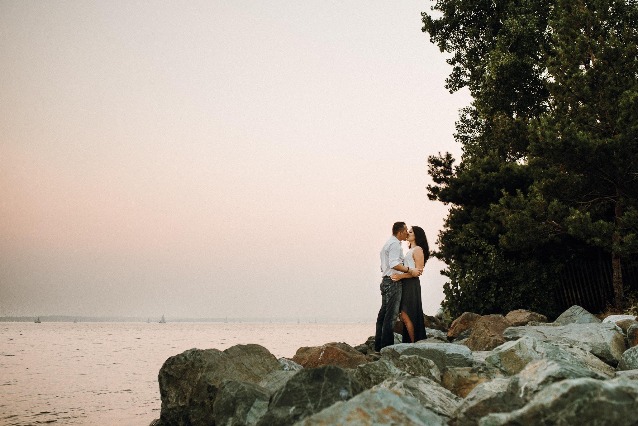 Myrtle-Edwards-Park-Engagement-Seattle-Washington9.jpg