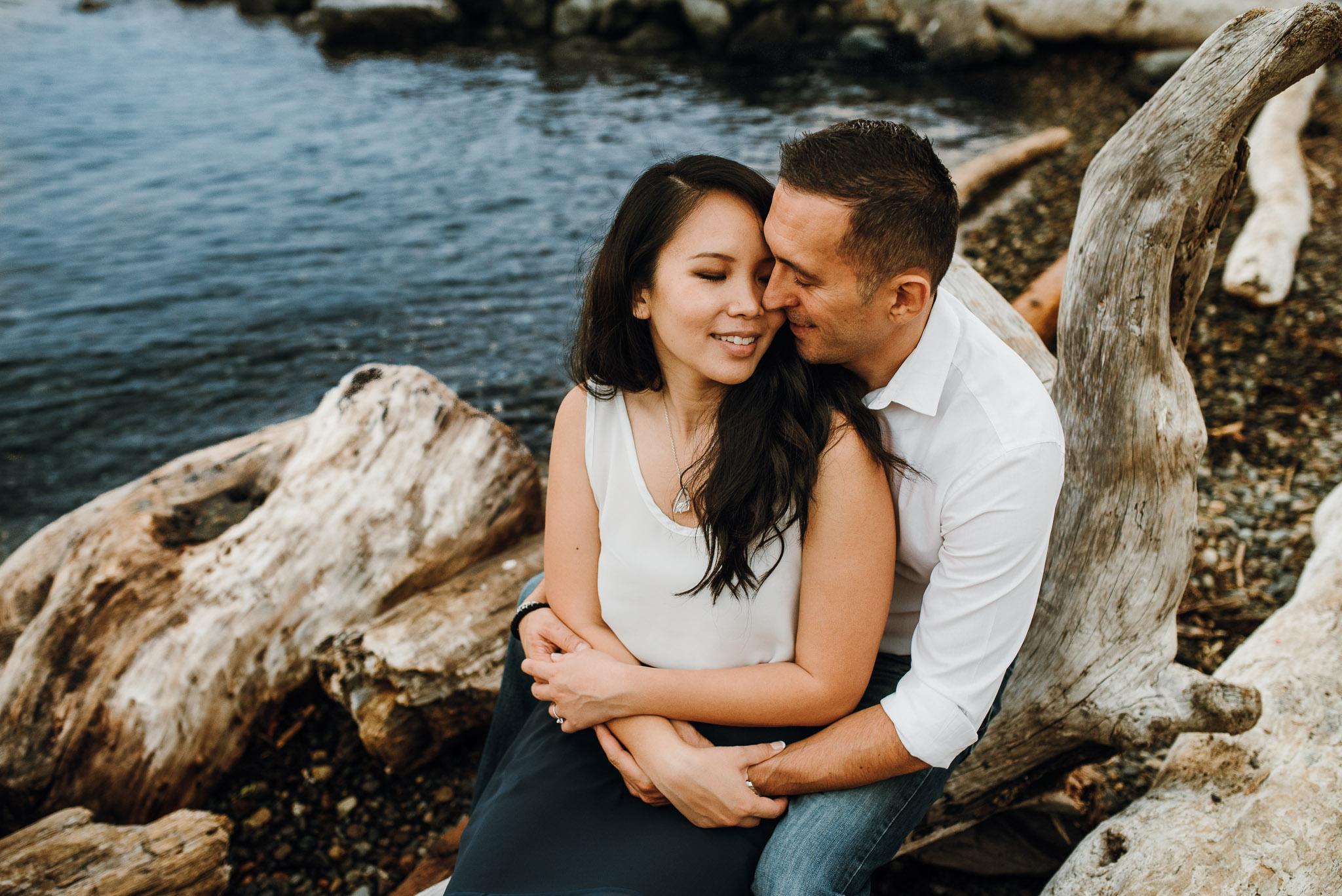 Myrtle-Edwards-Park-Engagement-Seattle-Washington11.jpg