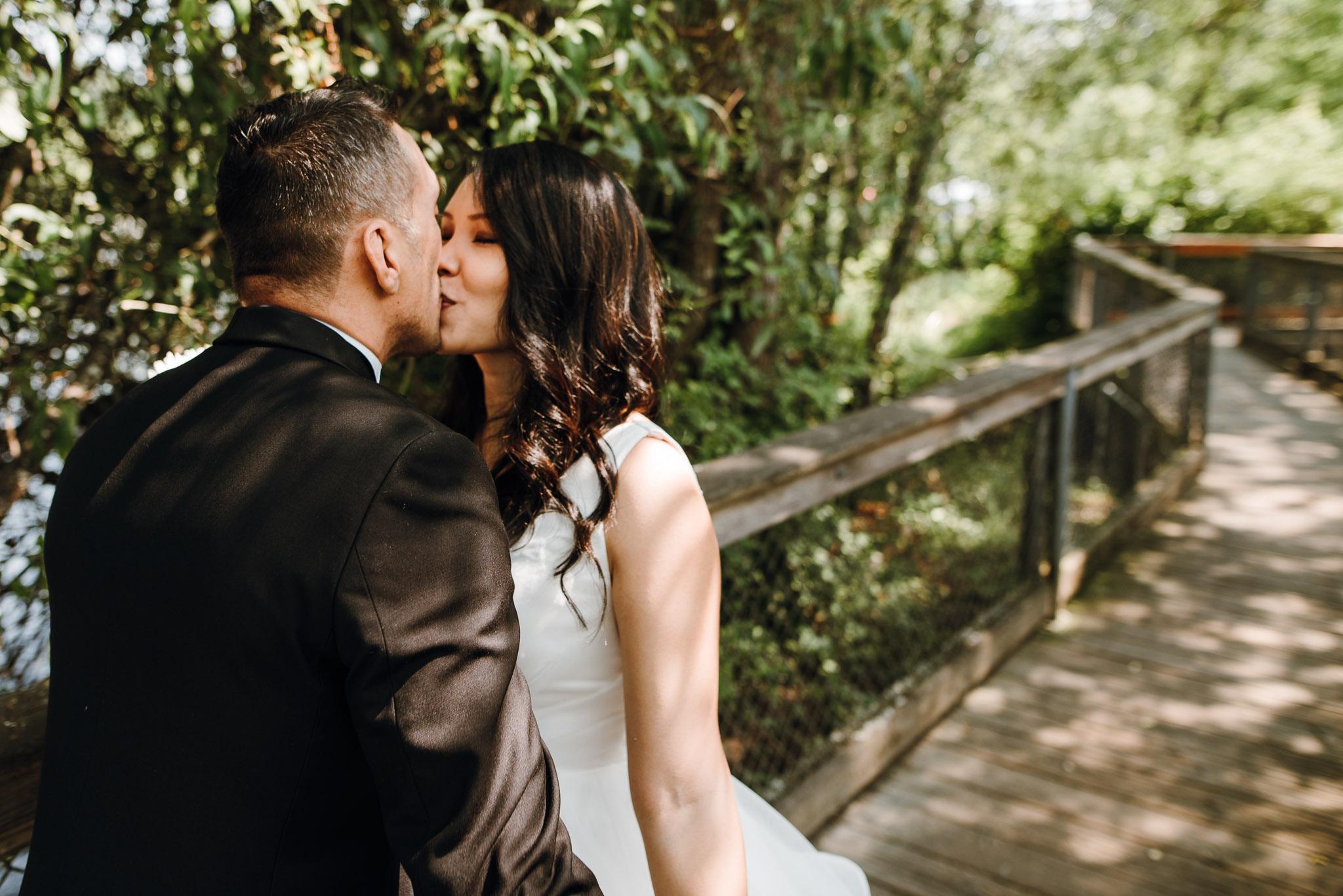 Hyatt-Regency-Lake-Washington-Wedding-Renton-Washington-0004.jpg