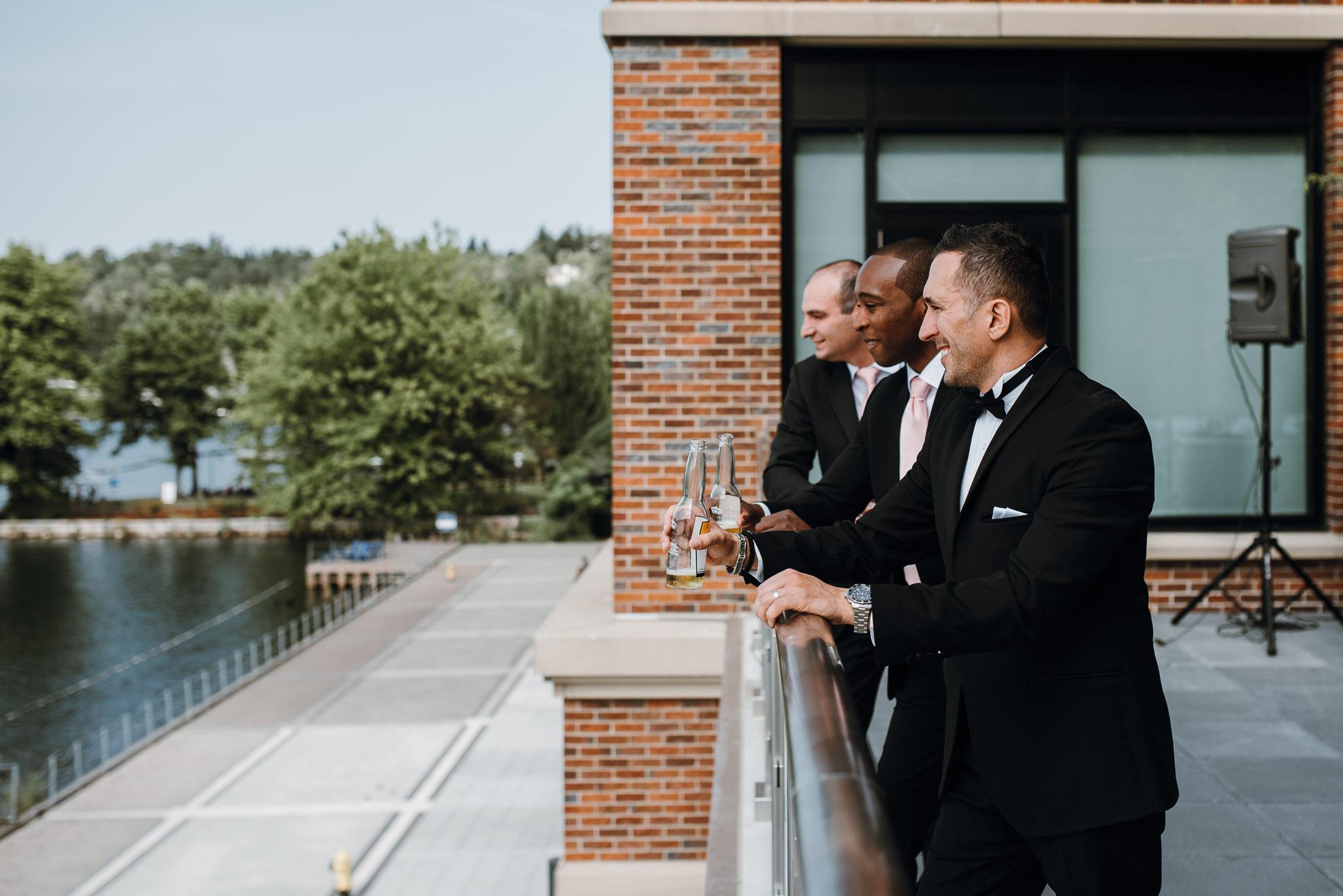 Hyatt-Regency-Lake-Washington-Wedding-Renton-Washington-0016.jpg