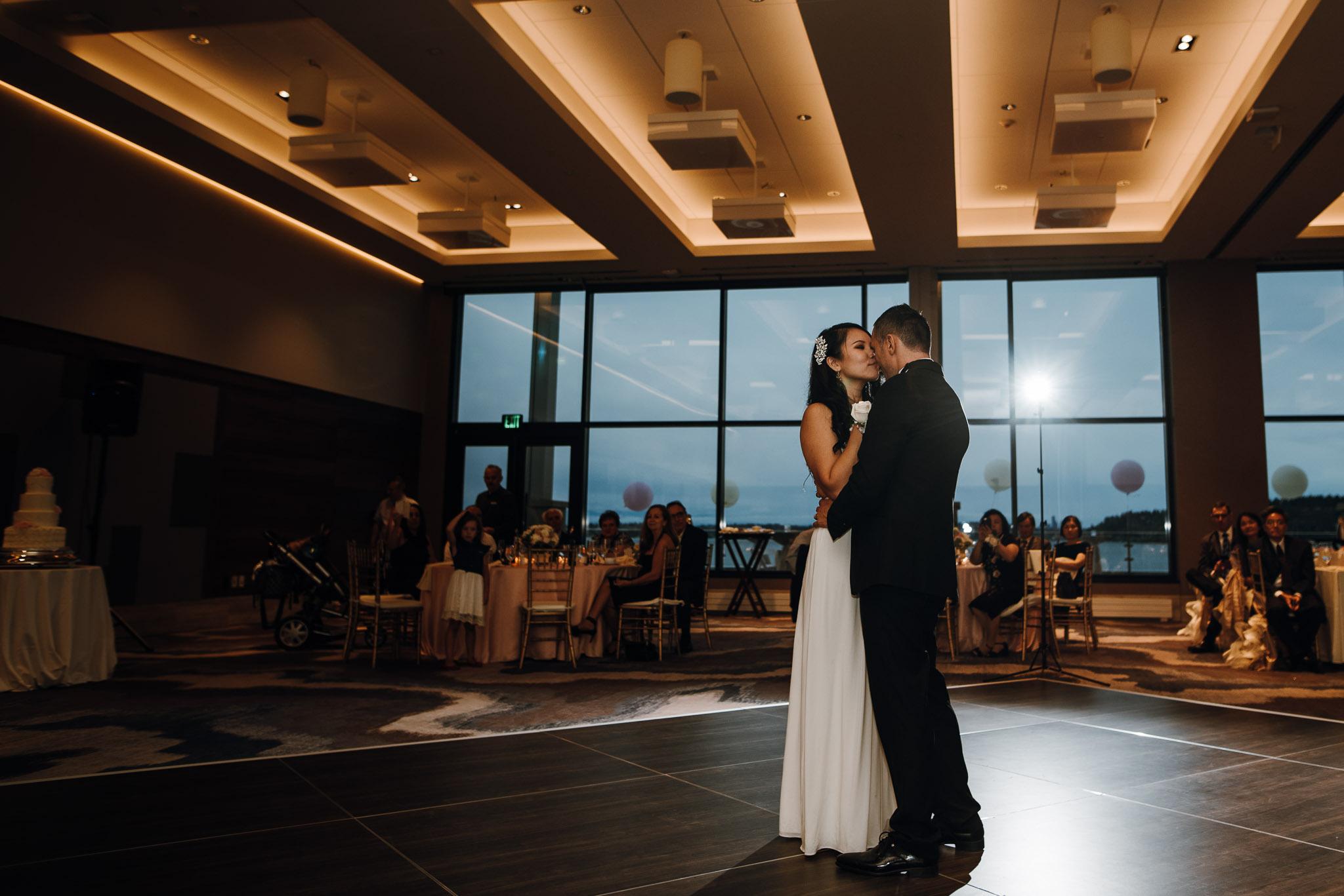 Hyatt-Regency-Lake-Washington-Wedding-Renton-Washington-0031.jpg