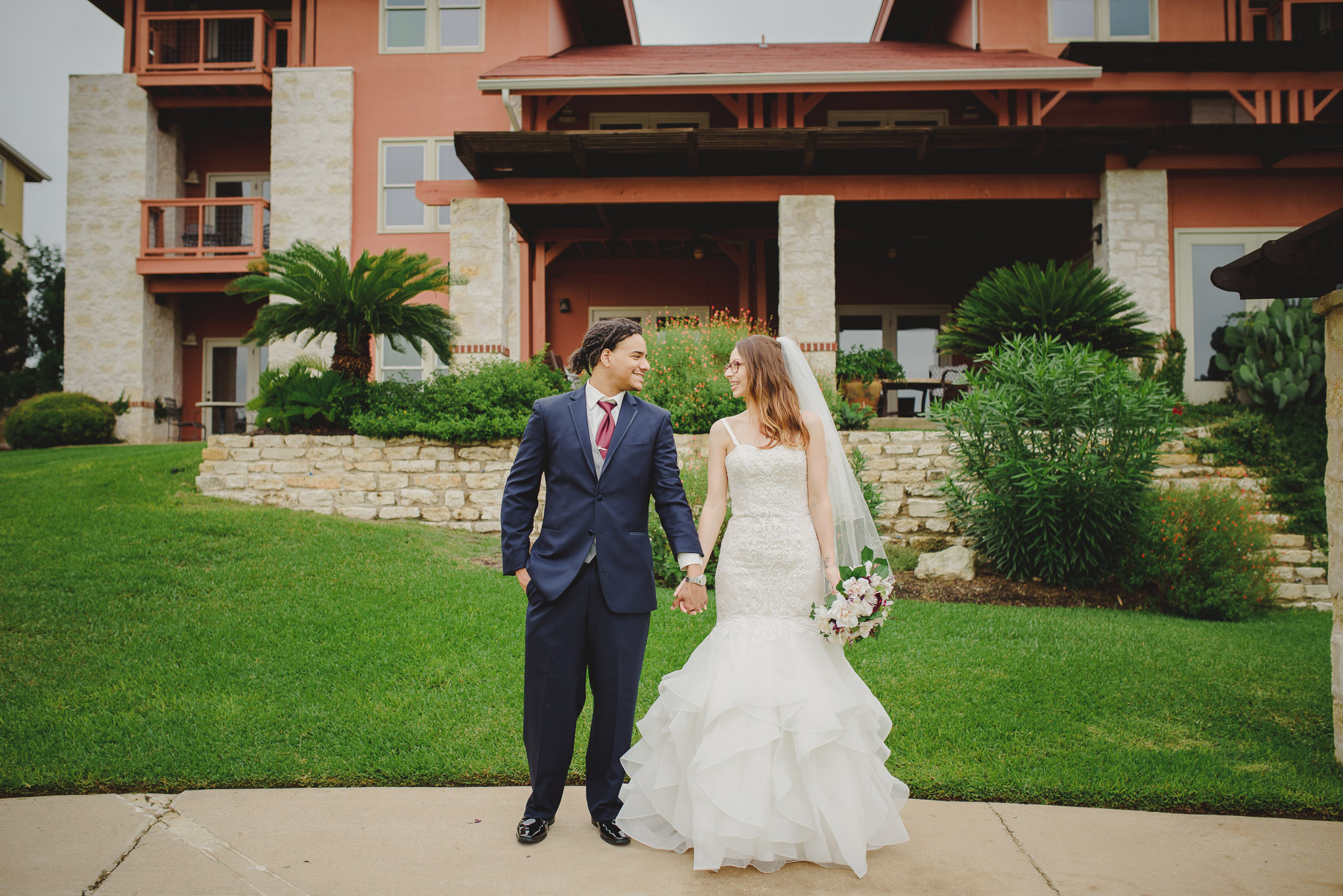 Austin-Texas-Wedding-Vintage-Villas-0051.jpg