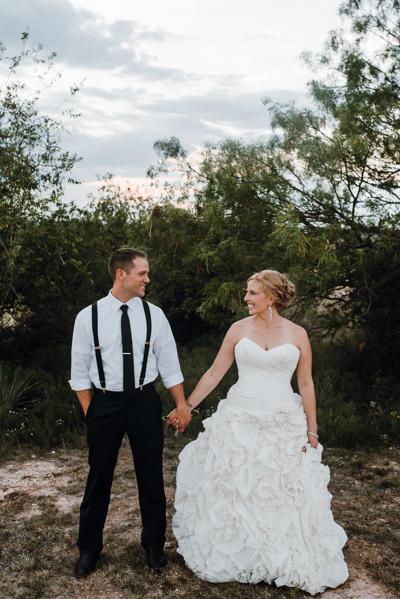 Rowena-West-Texas-Wedding-Photographer-Gillian&Ryan-0052.jpg