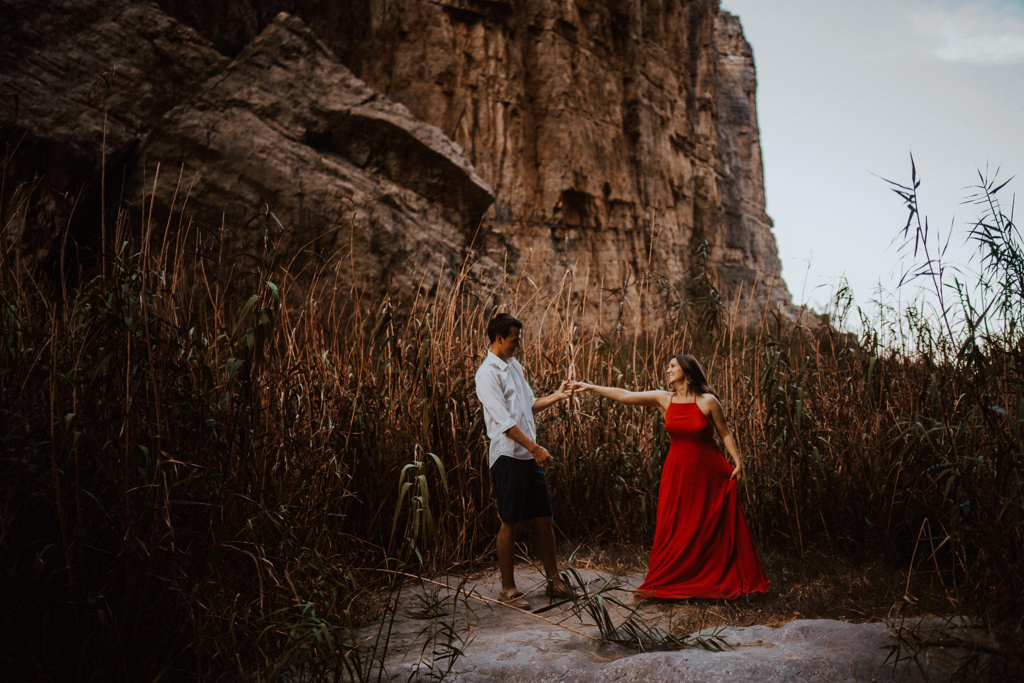 big-bend-santa-elena-canyon-engagement-photos-0016.jpg