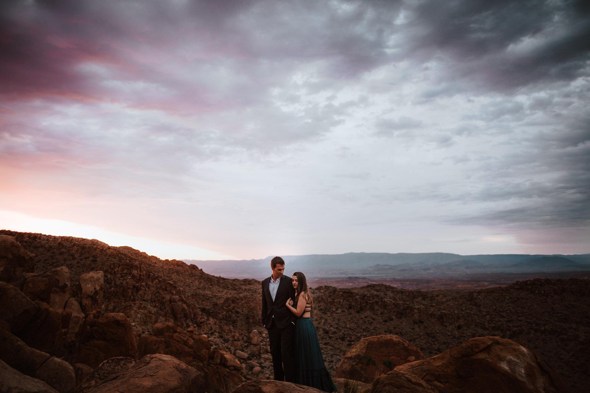 deset-elopement-big-bend-engagement-photos6.jpg