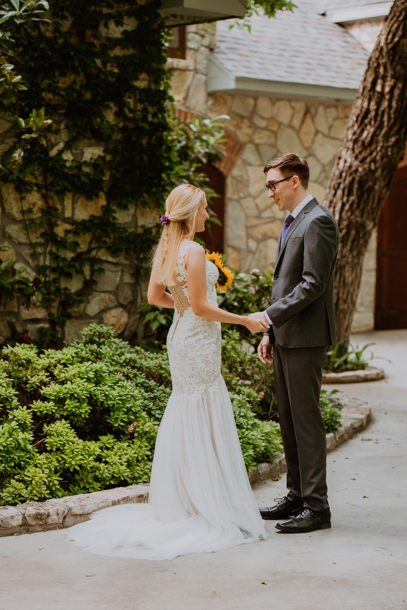 Christoval-vineyard-wedding-heather-justin-0008.jpg