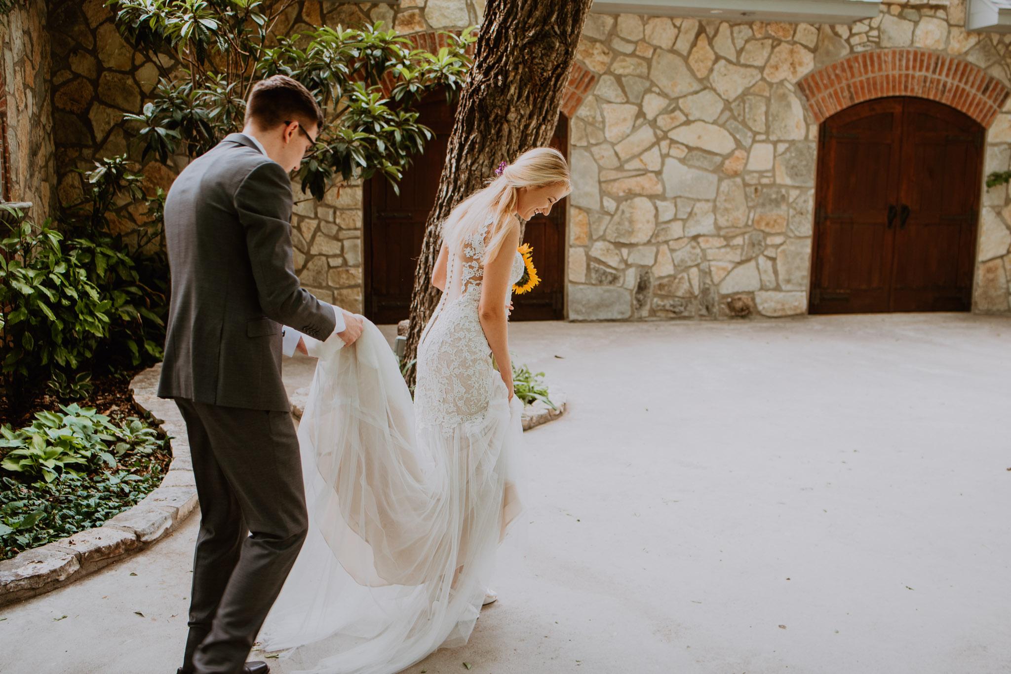 Christoval-vineyard-wedding-heather-justin-0009.jpg
