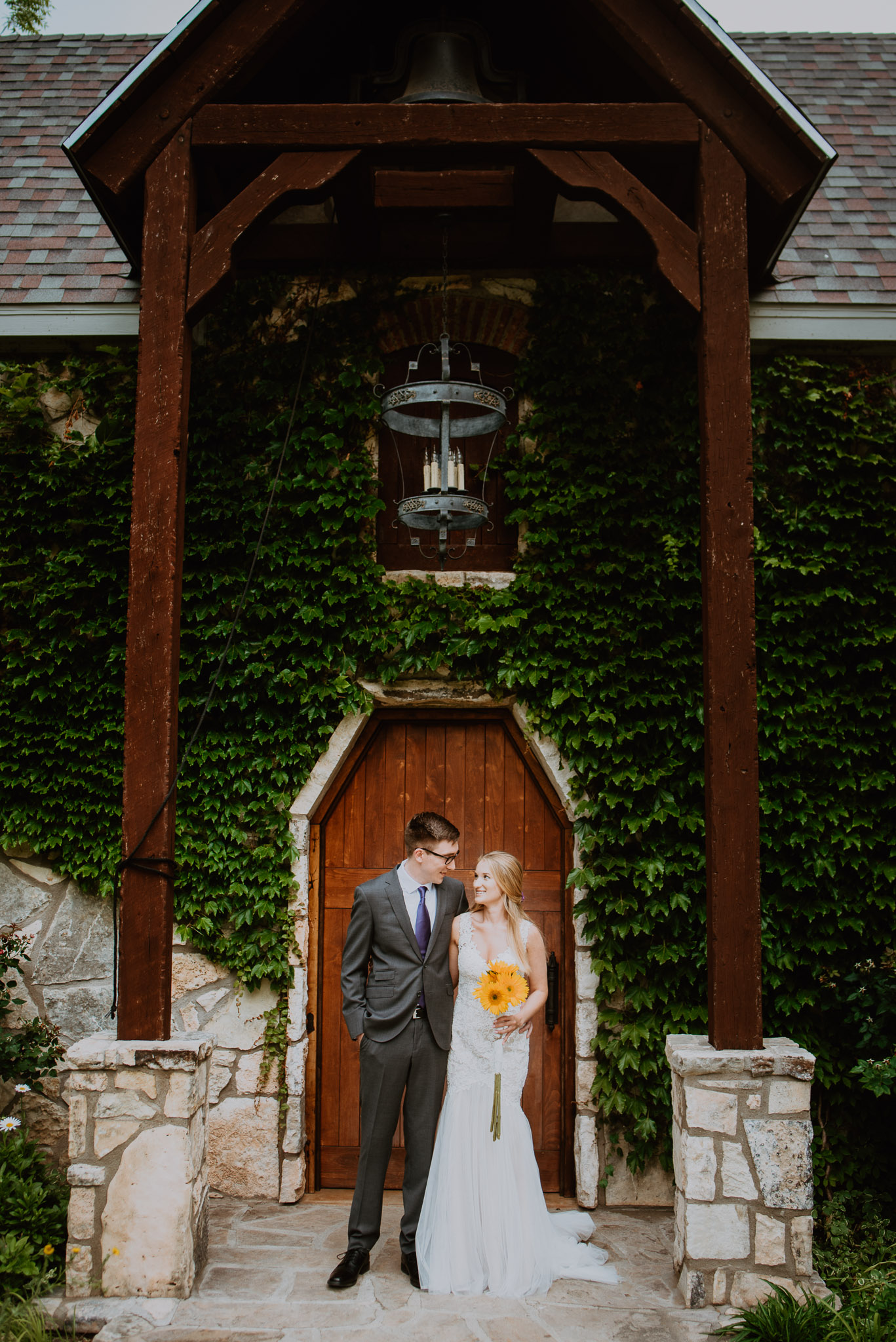 Christoval-vineyard-wedding-heather-justin-0010.jpg