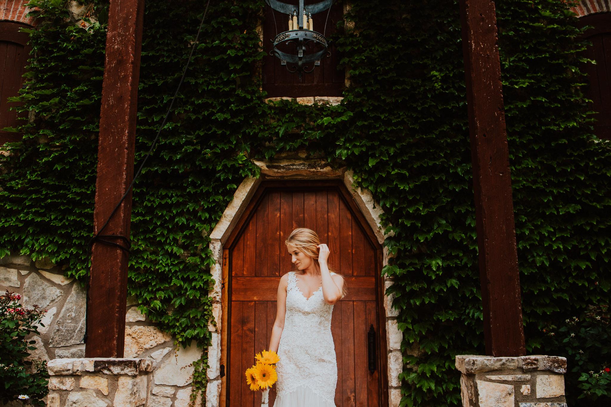 Christoval-vineyard-wedding-heather-justin-0011.jpg