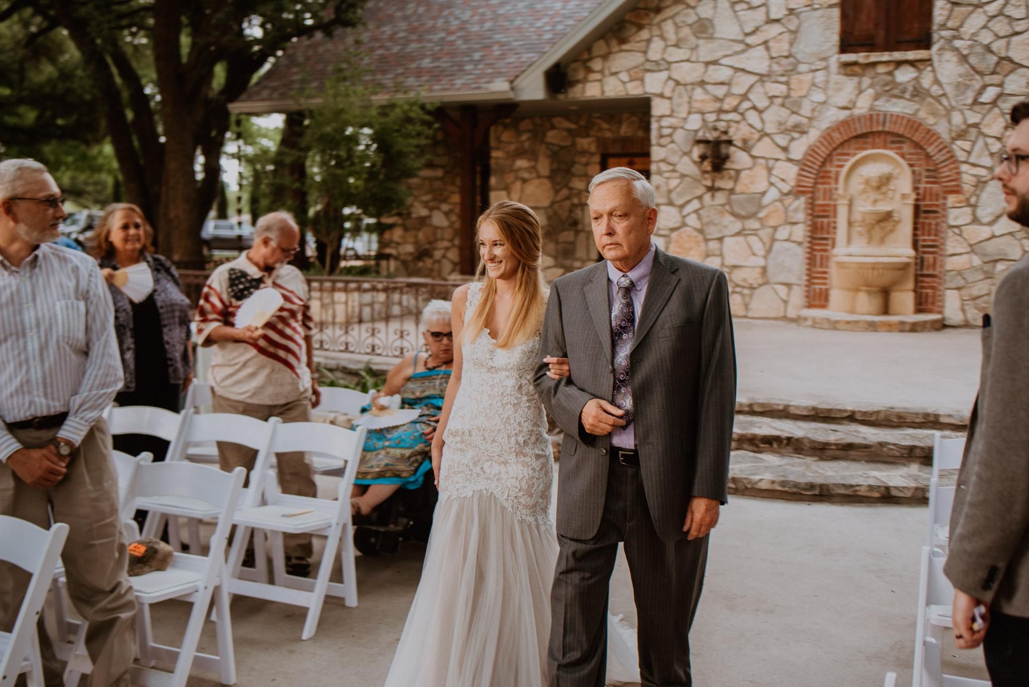 Christoval-vineyard-wedding-heather-justin-0018.jpg