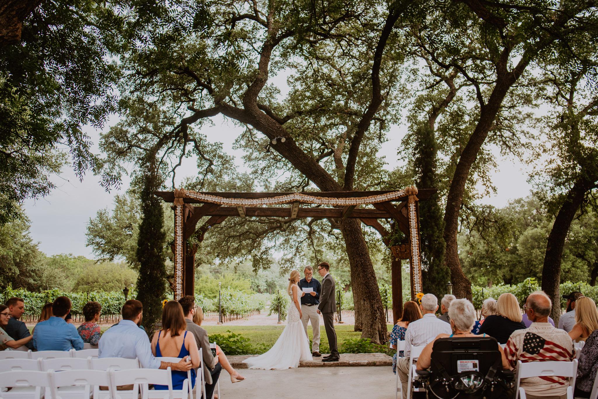 Lovely summer wedding at christoval vineyards