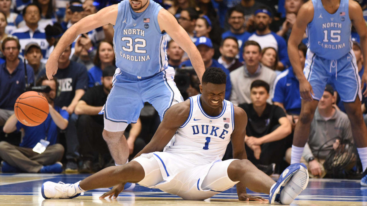 Zion blows through his PG2.5 basketball shoe / Photo: cbssports.com