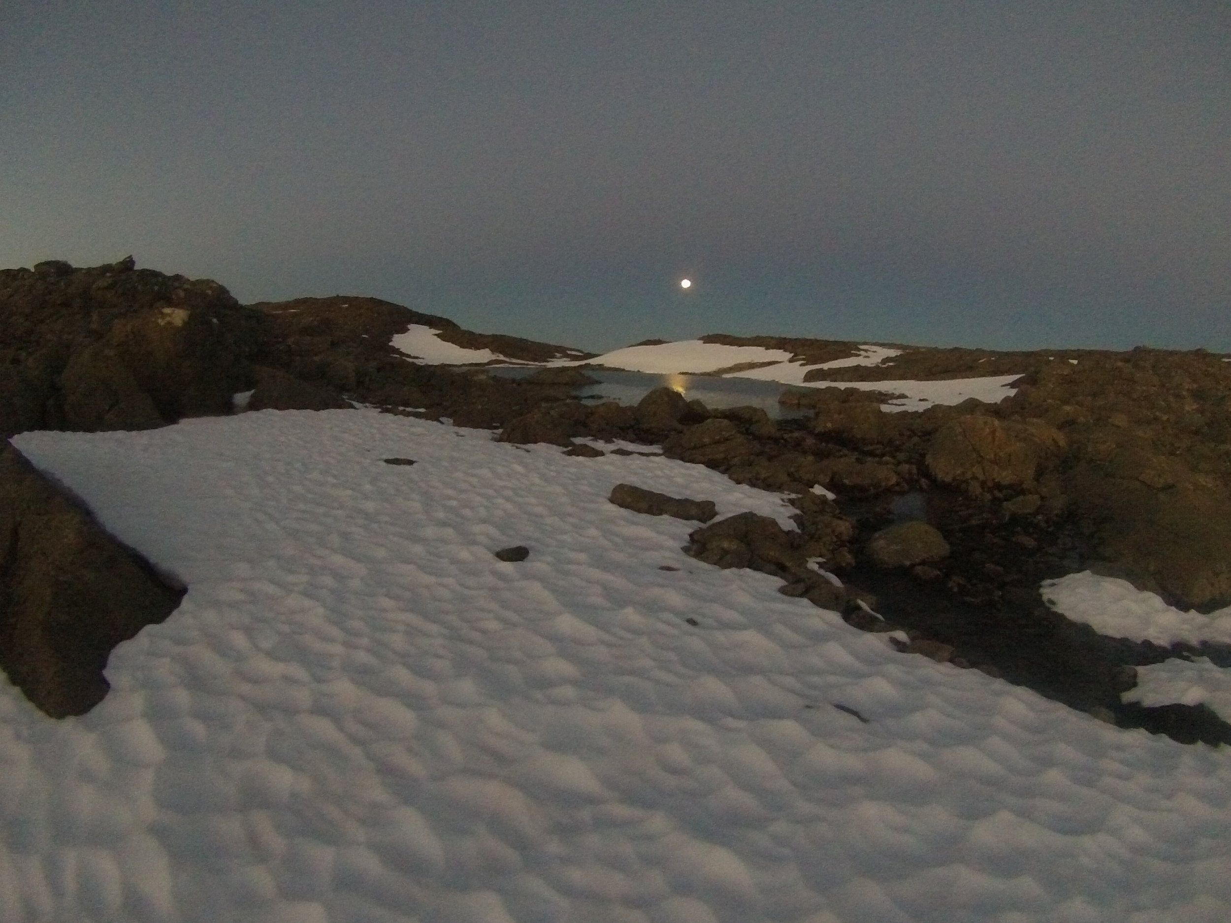 Fullmåne på Utsikten, kl 02:30.