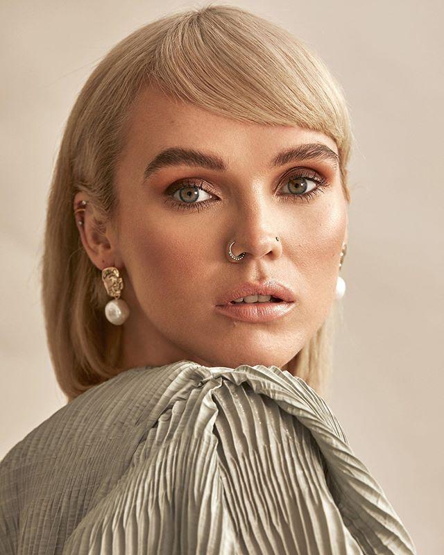 This girl 👧🏼😍 @chloesbells by @nicjopek  @jadoremodelsmcr  Hair and makeup by me  #Manchestermakeup #manchestermakeupartist #makeupartistmanchester #fashionmodel #glowingskin #glammakeup #makeupideas #fashionmakeup #fashionhair #goingoutmakeup #occasionmakeup #ecommerce #ecom #makeupmanchester #softwaves #naturalmakeup #glowingmakeup #glassskin #sleekhair