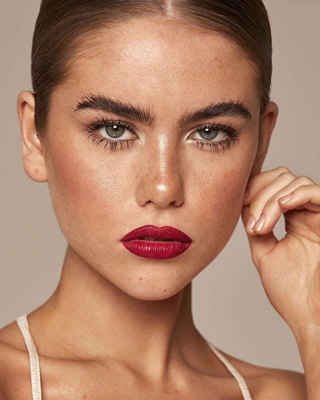 🍒@discozoe @nicjopek @jadoremodelsmcr  Hair and makeup by me  #Manchestermakeup #manchestermakeupartist #makeupartistmanchester #fashionmodel #glowingskin #glammakeup #makeupideas #fashionmakeup #fashionhair #goingoutmakeup #occasionmakeup #ecommerce #ecom #makeupmanchester #softwaves #naturalmakeup #glowingmakeup #glassskin #sleekhair #fluffybrows #freckles #redlips #redlip #sleekhair #lowpony #fashionphotography #fashionmodel