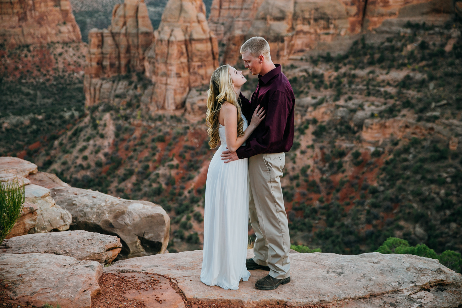 grand-junction-colorado-monument-wedding-photographer-engagements-29.jpg