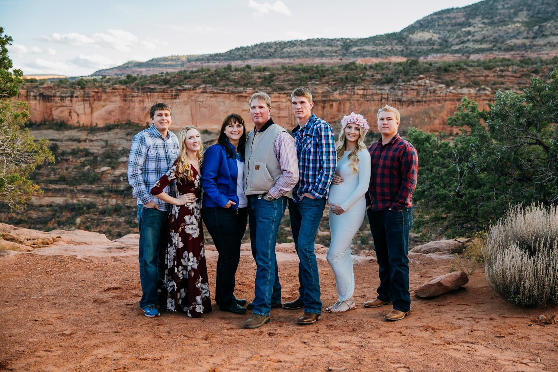 colorado-thanksgiving-case-family-grandjunction-photographer-1.jpg