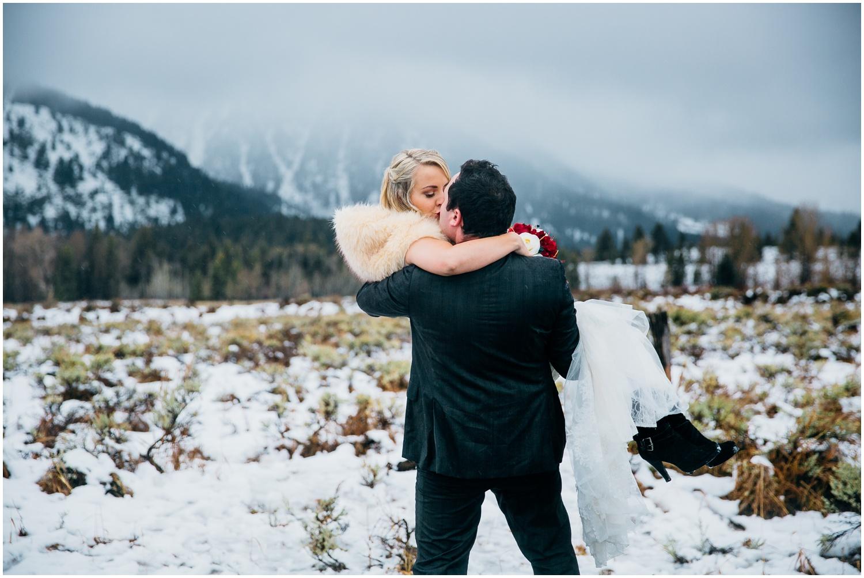 idaho-adventure-photographer-idaho-falls-engagements-wyoming-engagements-colorado-wyoming-wedding-photographer_1047.jpg