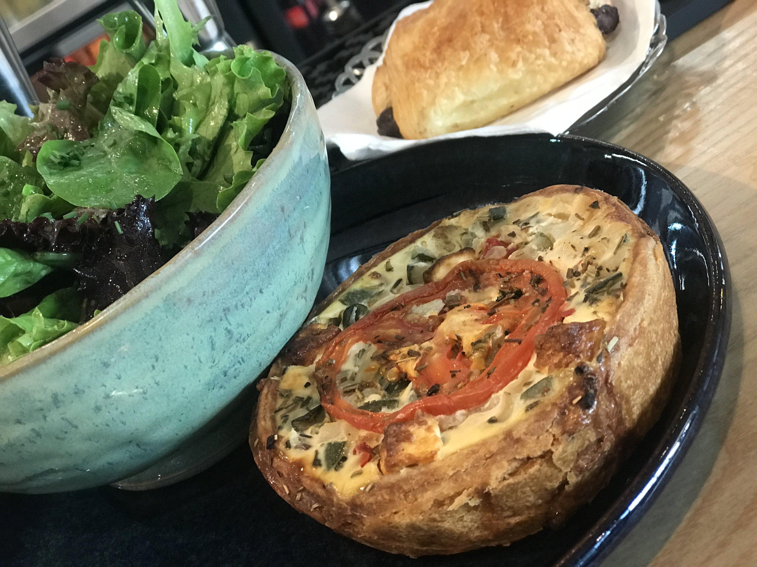 Feta cheese and tomato tart (Halle Quattre)