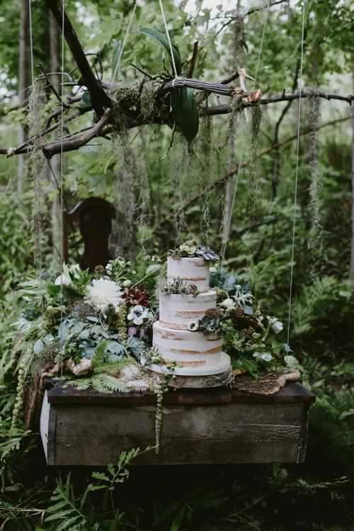 niagara-wedding-cakes-sweet-celebrations-custom-minimalistic-cakes-002.JPG